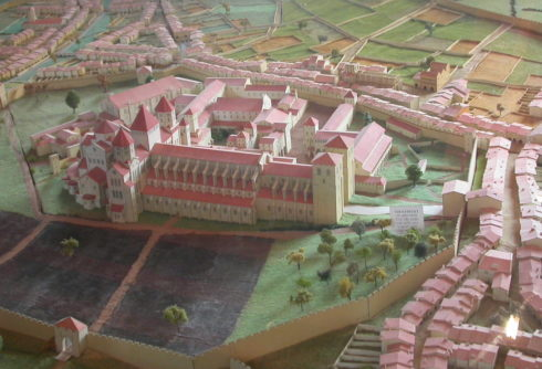 Very little of the original Abbey of Cluny survived the ravages of the French Revolution. This reconstructed model is by Hannes72