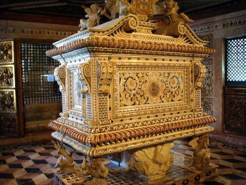 Tomb of Blessed Joanna of Portugal at the Dominican convent of Aveiro, Portugal