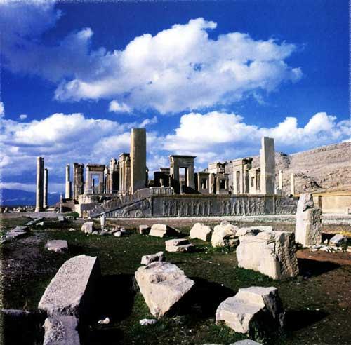 http://fr.wikipedia.org/wiki/Fichier:Persepolis_iran.jpg