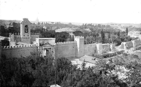 Photo of Porta Pia in 1870.