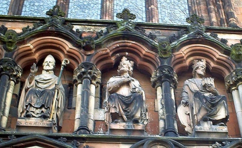 Statue of Peada, center, above western entrance to Lichfield cathedral. St. Chad on the left and Wulfhere on the right.