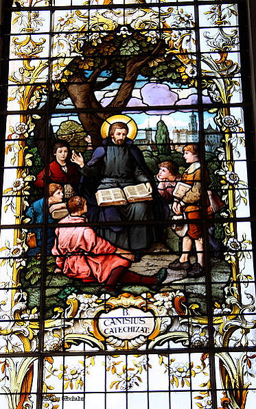 Stained glass window of St. Peter teaching, 1911, by Franz Xavier Zettler in Munich.