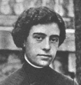 Twenty-two year old María Maravillas Pidal y Chico de Guzmán in 1914.