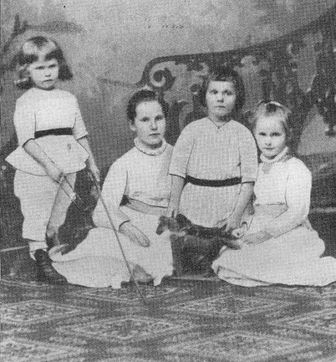 Bl. Clemens August (third from left) at age six.