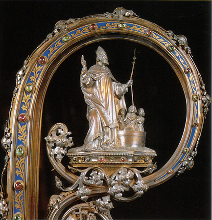Crozier is in the treasury of Sint-Nicolaaskerk; it was a gift to Mgr. Antoon Stillemans from the people of Sint-Niklaas for his ordination as the Bishop of Ghent in 1889. In his will the crozier was given to the Sint-Nikolaaskerk in Sint-Niklaas.