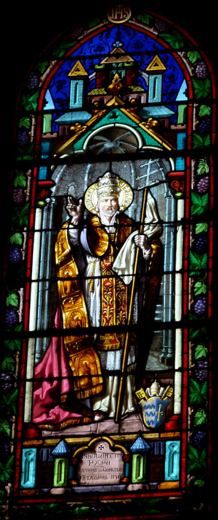 stained glass of Pope Innocent II in Notre-Dame-du-Fort in Étampes, France. Photo taken by GFreihalter.