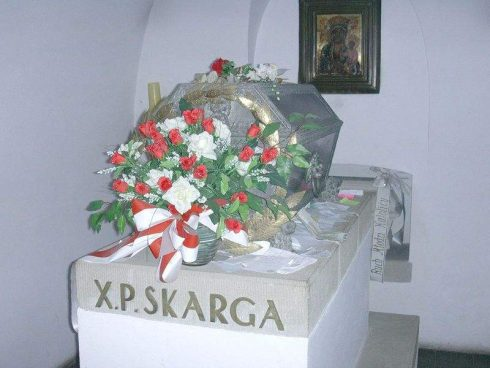 Fr. Piotr Skarga's tomb in Saints Peter and Paul church in Kraków. Photo by Janmad.