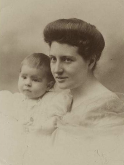 Anne with her Mother, Autumn 1911.