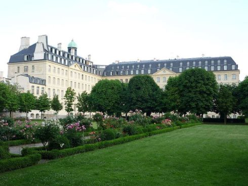 Photo of the Society of Foreign Missions of Paris by Vanka5.