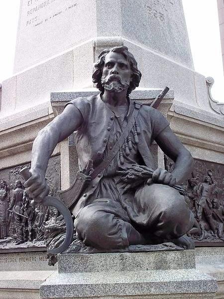 Charles le Moyne de Longueuil et de Châteauguay forms part of Maisonneuve Monument. Picture taken by Jean Gagnon.
