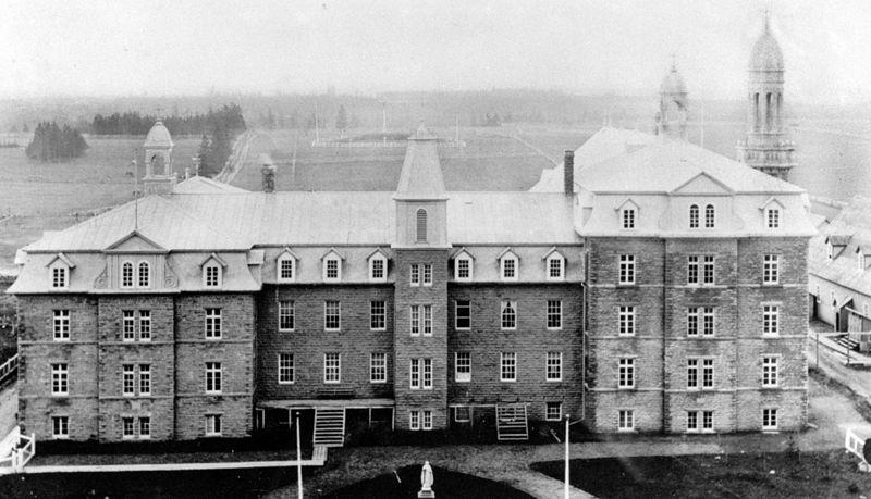 The Sacré-Coeur College in Caraquet, New Brunswick, Canada, in 1910.